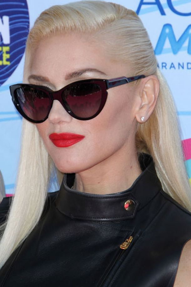 Gwen-Stefani-red-lips