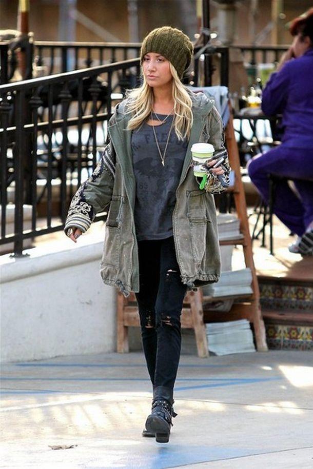 Ashley+Tisdale+Ashley+Tisdale+Grabs+Coffee+T-mdU10CBBGl